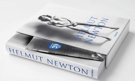 NEWTON, Helmut - SUMO